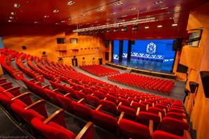 Светодиодное оборудование для театров и филармоний – новый подход к оформлению сцены