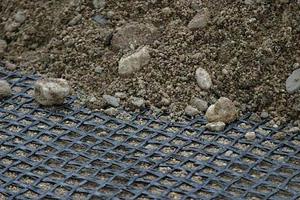Геосетка: специфика использования материала в дорожном строительстве