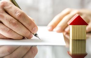 Услуги нотариуса при оформлении сделок с жилой недвижимостью