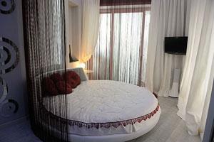 Современные шторы для спальни: лучшие новинки