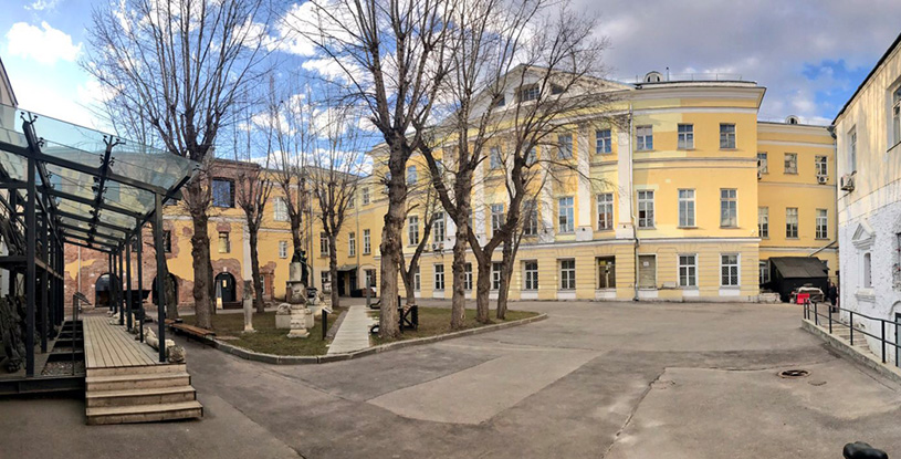 Конкурс на летнюю застройку внутреннего двора Музея архитектуры