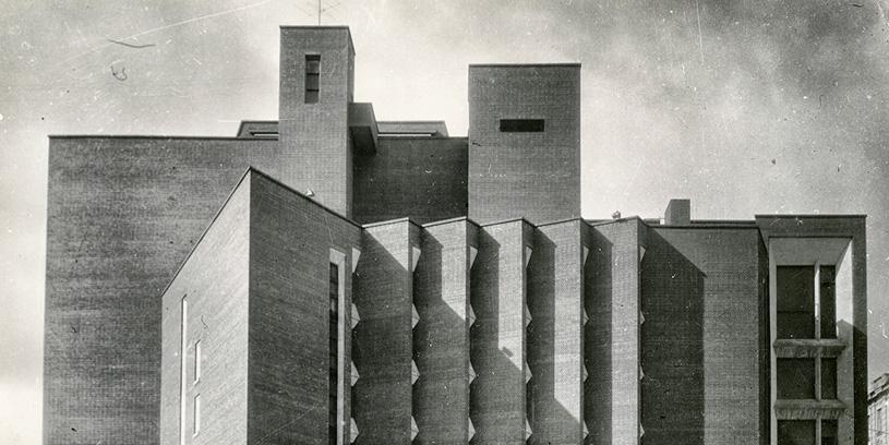 Лекция Александра Анисимова «Театральные здания двух столиц: парадоксальные ситуации и разные мнения»