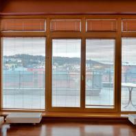 Компания «Окна Sirius»: панорамное остекление. Деревянный оконный профиль