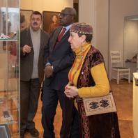 Первый заместитель генерального директора Татьяна Метакса, г-н Махамат Паба Сале- Посол Республики Камерун