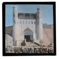 Площадь Регистан у главных ворот крепости Арк в Бухаре. Диапозитив Карла Элофа Берггрена