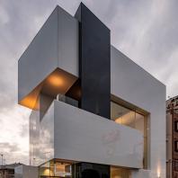 Лучший реализованный проект общественного здания или сооружения. Poly Cuboid (Япония, Химедзи), KTX archiLAB