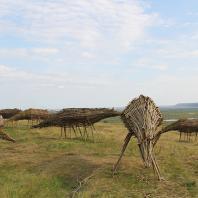 Создание ленд-арт объекта «Священный табун мифических лошадей»