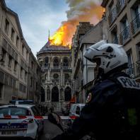 Пожар в Соборе Парижской Богоматери. 15.04.2019. Фото: CNN / Nicolas Liponne/NurPhoto/Getty Images