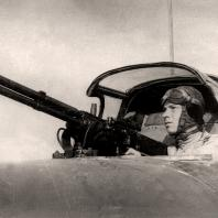 Зенин А.И. «Стрелок перед боевым вылетом» 1945