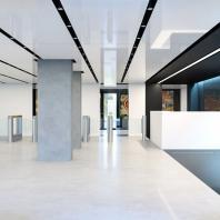 АО «НИИграфит». Центральная входная группа — высокотехнологичное и современное презентационное пространство. 2014-2016